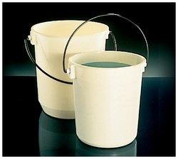 Nalgene™ Autoclavable Graduated Buckets