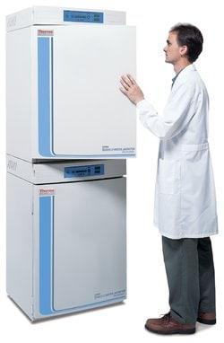 Forma&trade; Series II 3110 Water-Jacketed CO<sub>2</sub> Incubators